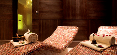 Jacuzzis, Plunge Pools and Relaxation Loungers